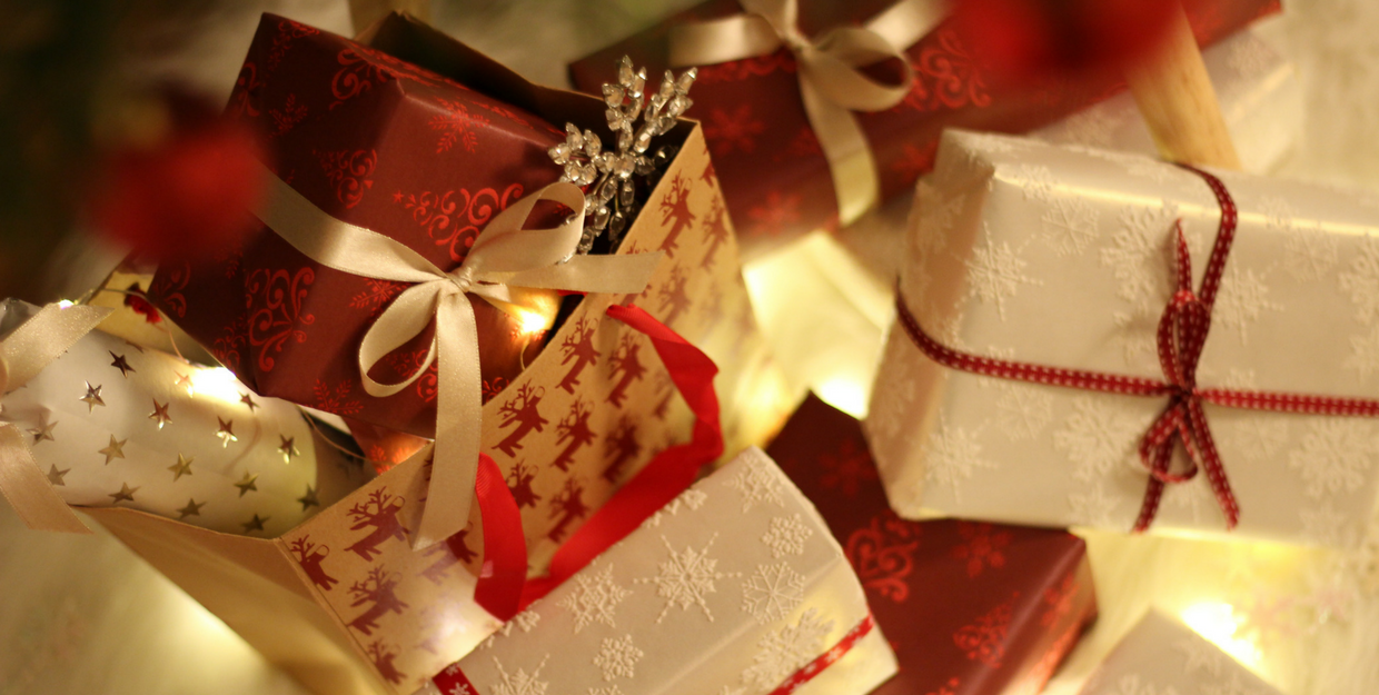 Corporate gifts to keep your employees and clients happy during the Christmas season